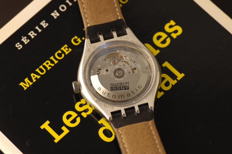 Postez vos fonds de montre en saphir Swatch_YAS402_2